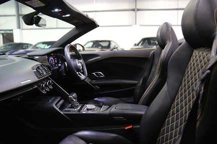 Audi R8 Spyder V10 Quattro with the Ultimate Specification 25