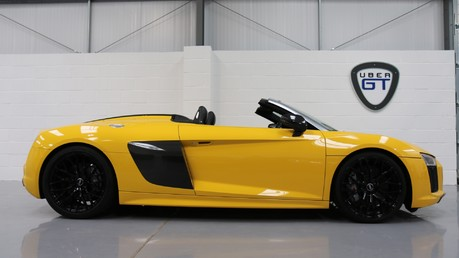 Audi R8 Spyder V10 Quattro with the Ultimate Specification Video