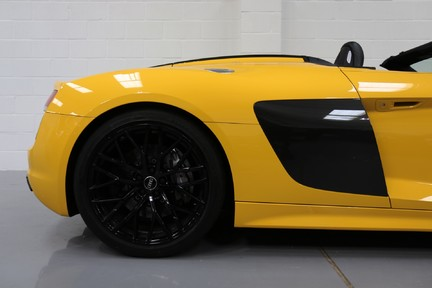 Audi R8 Spyder V10 Quattro with the Ultimate Specification 19