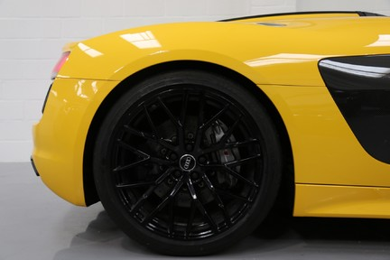 Audi R8 Spyder V10 Quattro with the Ultimate Specification 37