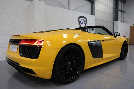 Audi R8 Spyder V10 Quattro with the Ultimate Specification 6