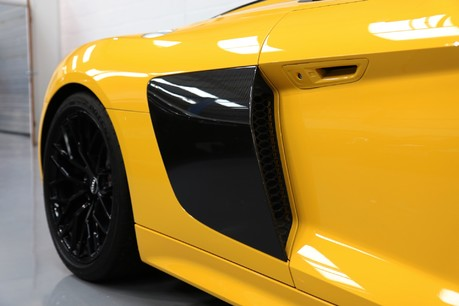 Audi R8 Spyder V10 Quattro with the Ultimate Specification Service History