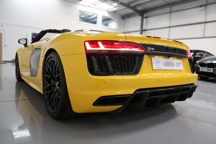 Audi R8 Spyder V10 Quattro with the Ultimate Specification 4