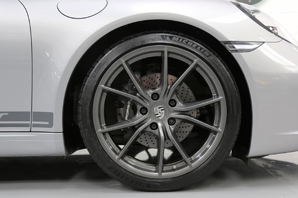 Porsche 911 Carrera T PDK Coupe with 918 Carbon Bucket Seats 15