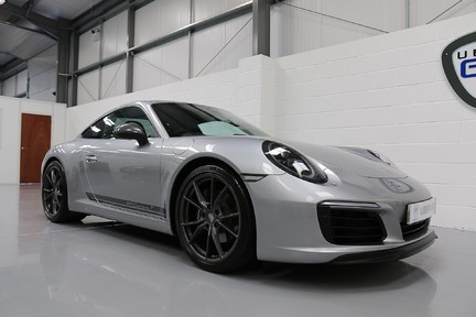 Porsche 911 Carrera T PDK Coupe with 918 Carbon Bucket Seats 3