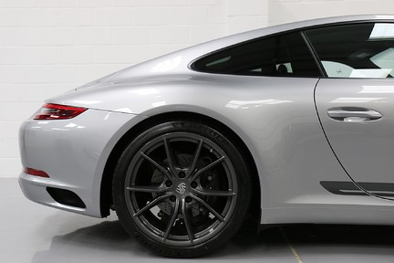 Porsche 911 Carrera T PDK Coupe with 918 Carbon Bucket Seats 29
