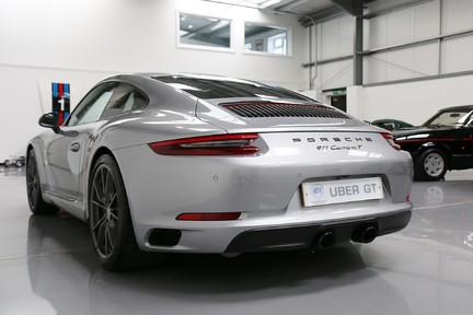 Porsche 911 Carrera T PDK Coupe with 918 Carbon Bucket Seats 4