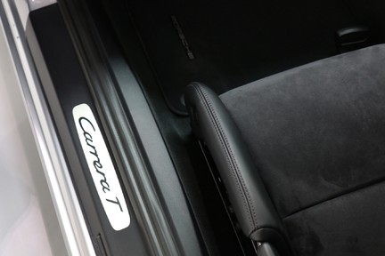 Porsche 911 Carrera T PDK Coupe with 918 Carbon Bucket Seats 30