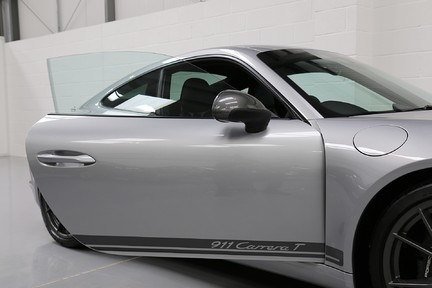 Porsche 911 Carrera T PDK Coupe with 918 Carbon Bucket Seats 37