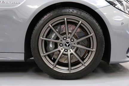 Mercedes-Benz C Class AMG C 63 Premium - Just Serviced - Stunning Example 11