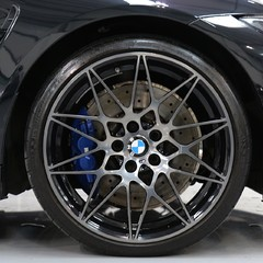 BMW M4 Competition Package - 1 Owner - Stunning 2