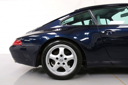 Porsche 911 Carrera 2 Coupe - Probably the best available 11