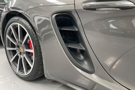 Porsche 718 Cayman S PDK with a Huge Spec 7