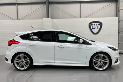 Ford Focus ST-3 - Recaro's, Great Specification and Just Serviced 1