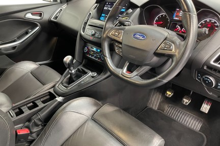 Ford Focus ST-3 - Recaro's, Great Specification and Just Serviced 10