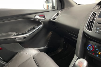 Ford Focus ST-3 - Recaro's, Great Specification and Just Serviced 17