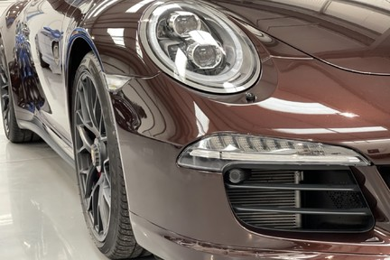 Porsche 911 Targa 4 GTS PDK - Incredible Low Mileage Car with a Great Spec 27