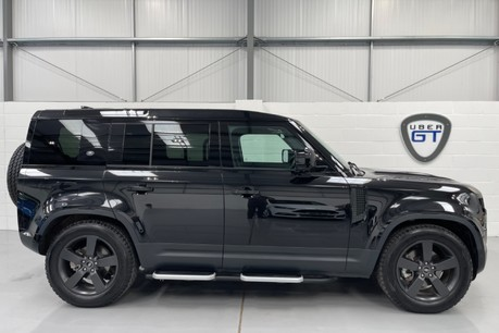 """Land Rover Defender 110 S - 7 Seats, Sunroof and 20"""" Wheels"""