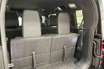 """Land Rover Defender 110 S - 7 Seats, Sunroof and 20"""" Wheels 14"""