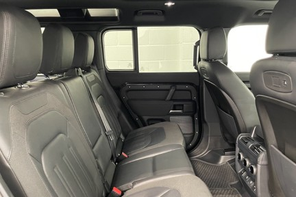 """Land Rover Defender 110 S - 7 Seats, Sunroof and 20"""" Wheels 16"""