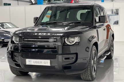 """Land Rover Defender 110 S - 7 Seats, Sunroof and 20"""" Wheels 22"""