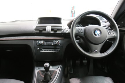 BMW 1 Series 1M Coupe - Only 2 Owners and Fabulous Low Mileage 8