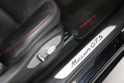 Porsche Macan GTS with Panoramic Roof, PDLS+ and More 10