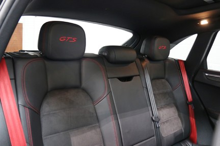 Porsche Macan GTS with Panoramic Roof, PDLS+ and More 15