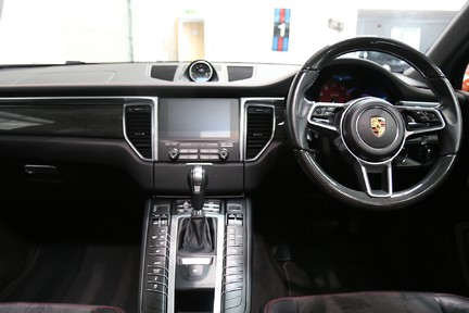 Porsche Macan GTS with Panoramic Roof, PDLS+ and More 19