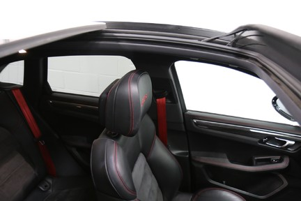 Porsche Macan GTS with Panoramic Roof, PDLS+ and More 30