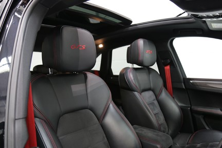 Porsche Macan GTS with Panoramic Roof, PDLS+ and More 16