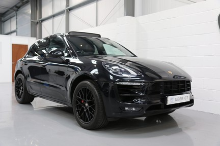 Porsche Macan GTS with Panoramic Roof, PDLS+ and More 2