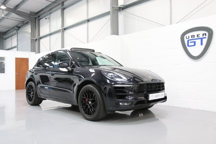 Porsche Macan GTS with Panoramic Roof, PDLS+ and More 32