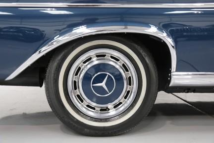 Mercedes-Benz 300 SE - Amazing Rare Classic 40
