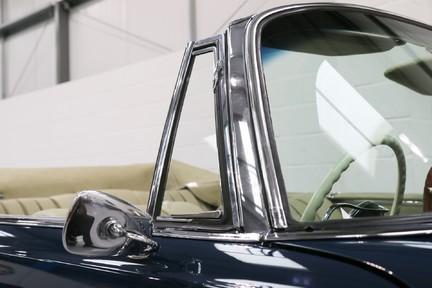 Mercedes-Benz 300 SE - Amazing Rare Classic 22