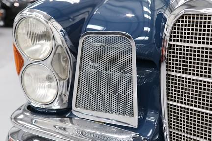 Mercedes-Benz 300 SE - Amazing Rare Classic 32