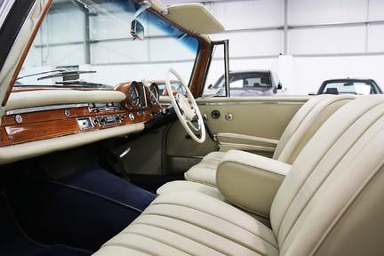 Mercedes-Benz 300 SE - Amazing Rare Classic 33