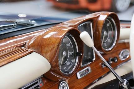Mercedes-Benz 300 SE - Amazing Rare Classic 34