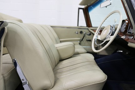 Mercedes-Benz 300 SE - Amazing Rare Classic 37