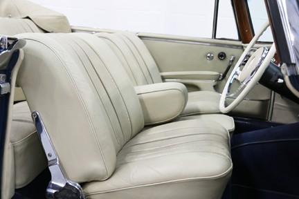 Mercedes-Benz 300 SE - Amazing Rare Classic 39