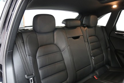 Porsche Macan S with Panoramic Roof, BOSE, 18-Way Seats and More 11