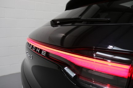 Porsche Macan S with Panoramic Roof, BOSE, 18-Way Seats and More 22