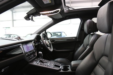Porsche Macan S with Panoramic Roof, BOSE, 18-Way Seats and More 12
