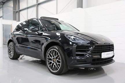 Porsche Macan S with Panoramic Roof, BOSE, 18-Way Seats and More 2