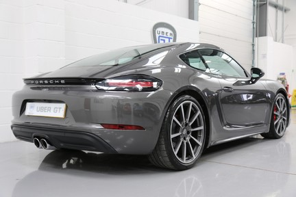 Porsche 718 Cayman S PDK with an Ultimate Specification 5