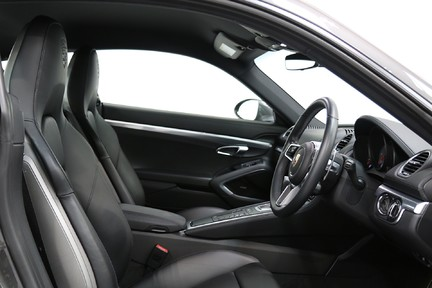 Porsche 718 Cayman S PDK with an Ultimate Specification 17