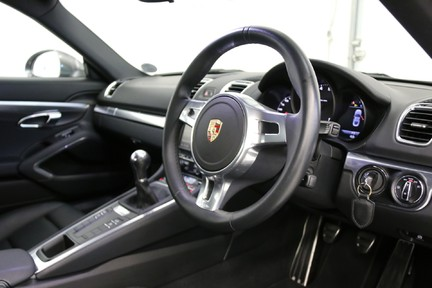 Porsche Cayman with Stunning Low Mileage and Full Porsche Service History 6