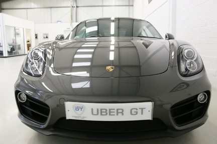 Porsche Cayman with Stunning Low Mileage and Full Porsche Service History 9
