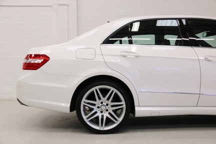 Mercedes-Benz E Class E250 CDI Sport with Panoramic Roof and Navigation 20