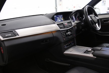 Mercedes-Benz E Class E250 CDI Sport with Panoramic Roof and Navigation 4
